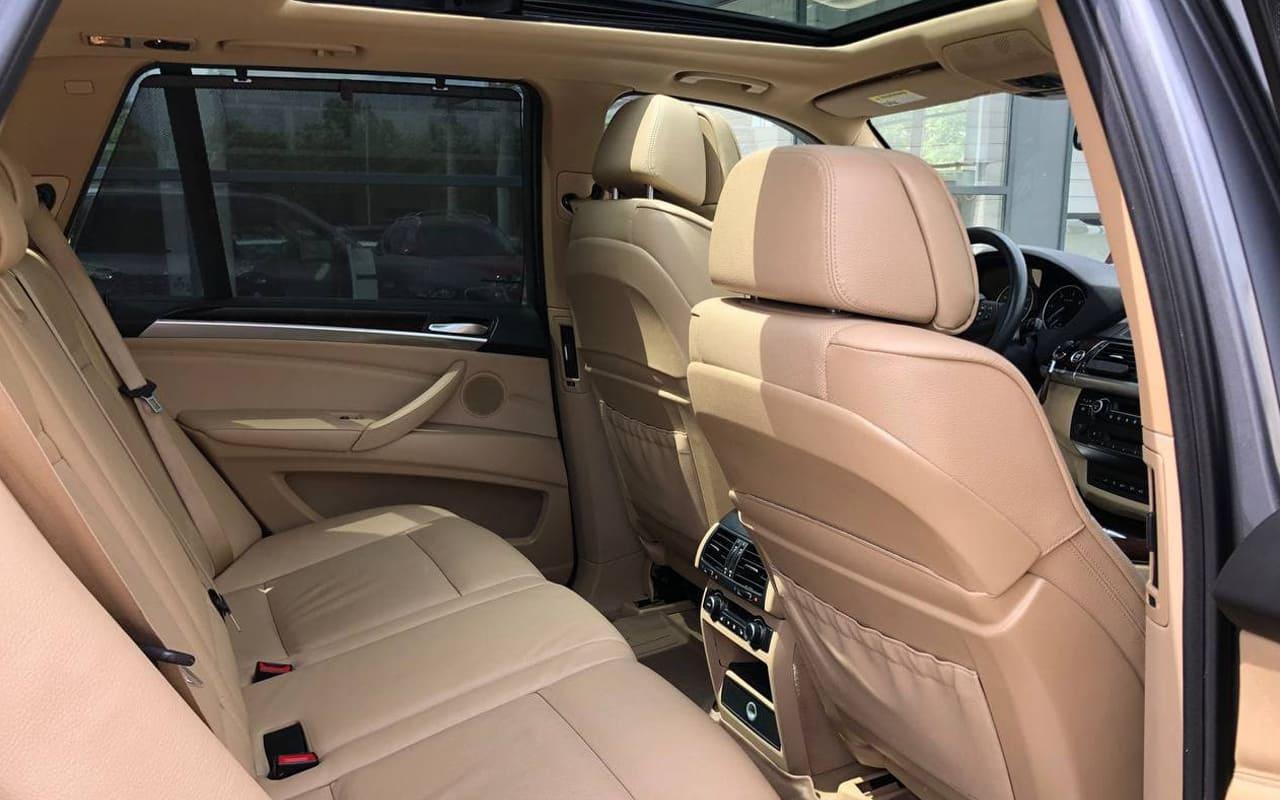 BMW X5 2010 фото №19