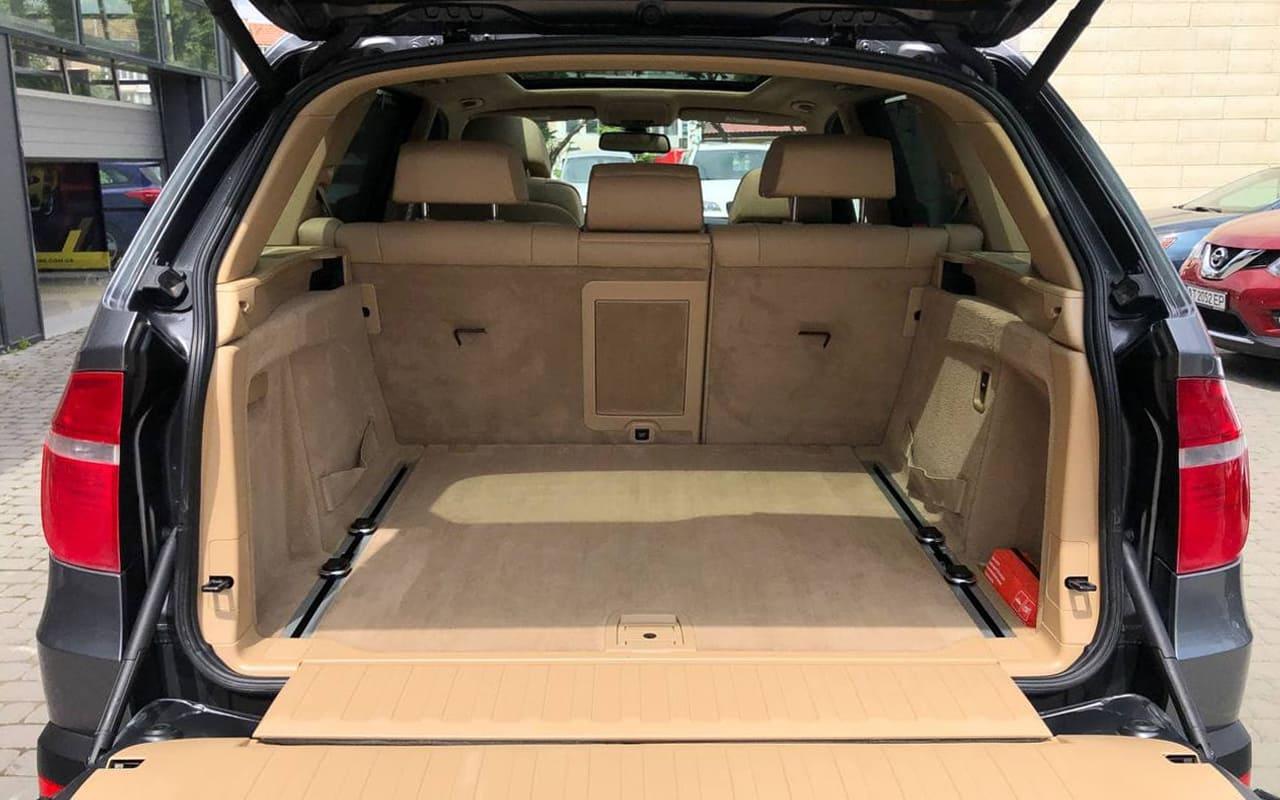 BMW X5 2010 фото №20