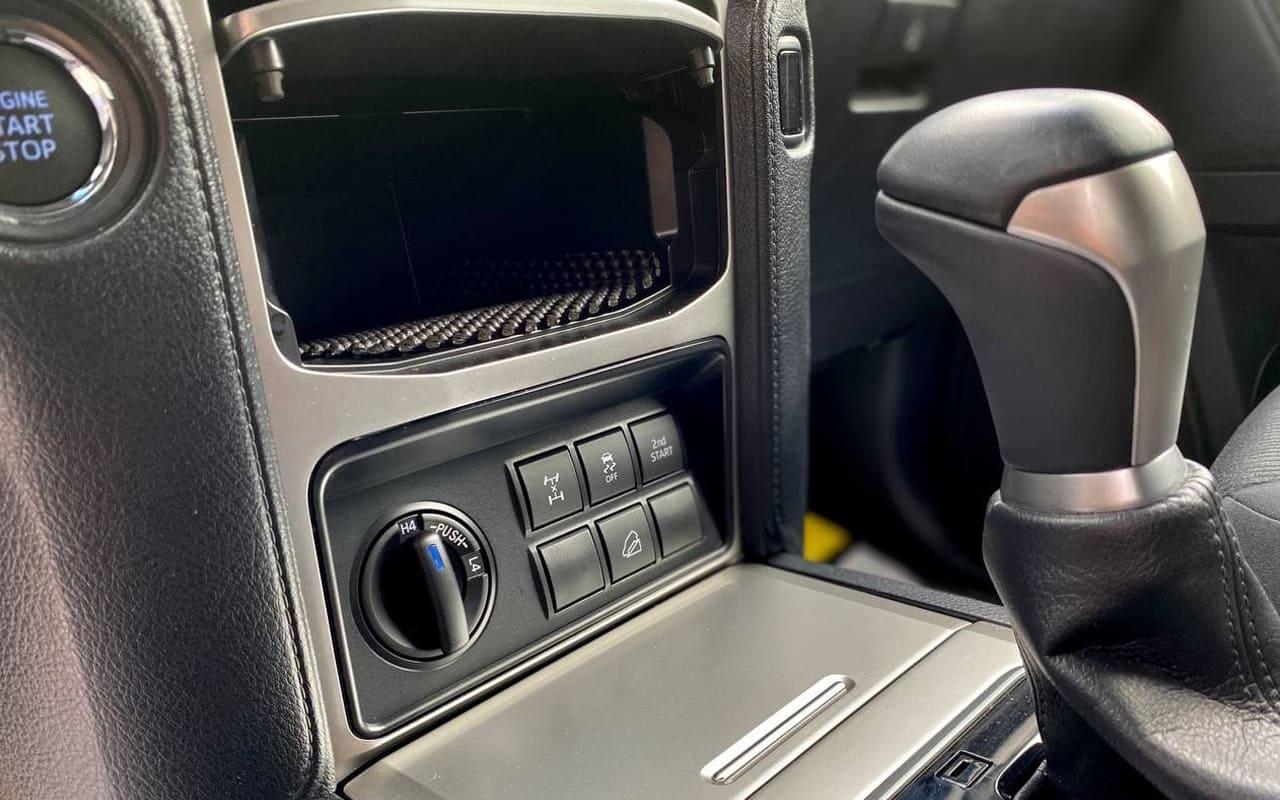 Toyota Land Cruiser Prado 2019 фото №16