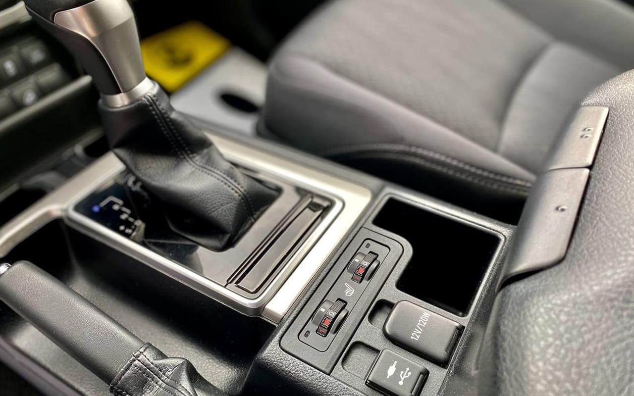 Toyota Land Cruiser Prado 2019 фото №17