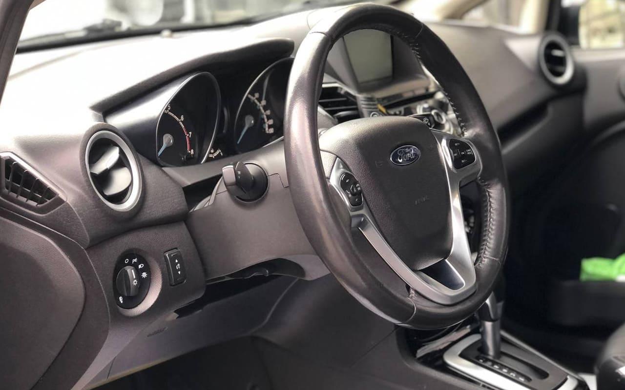 Ford Fiesta Titanium 2014 фото №15
