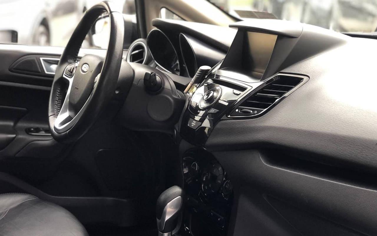 Ford Fiesta Titanium 2014 фото №16