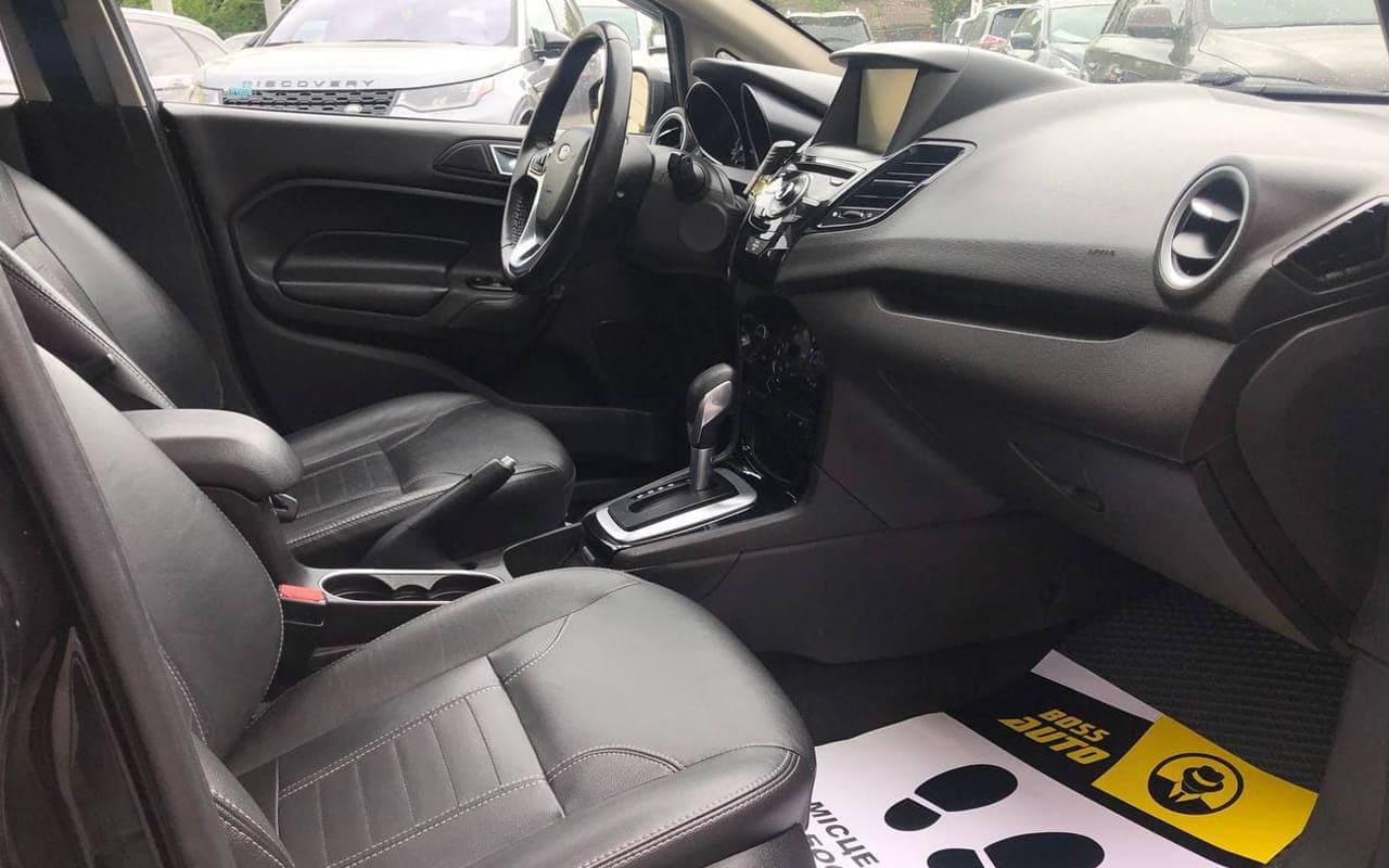 Ford Fiesta Titanium 2014 фото №17