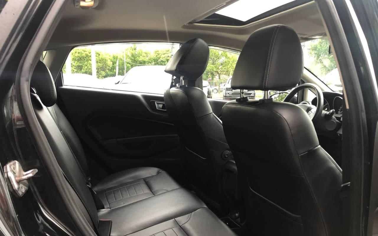 Ford Fiesta Titanium 2014 фото №18