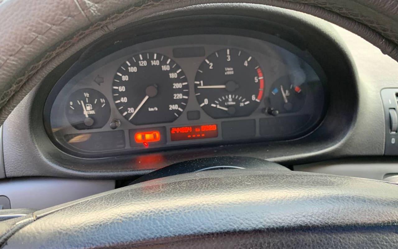 BMW 320 2005 фото №13