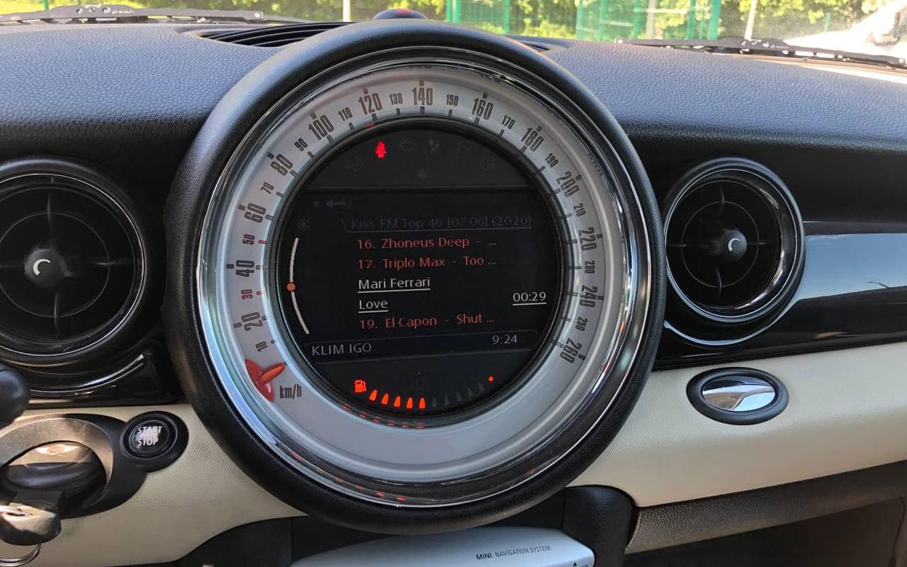 MINI Cooper 2010 фото №18