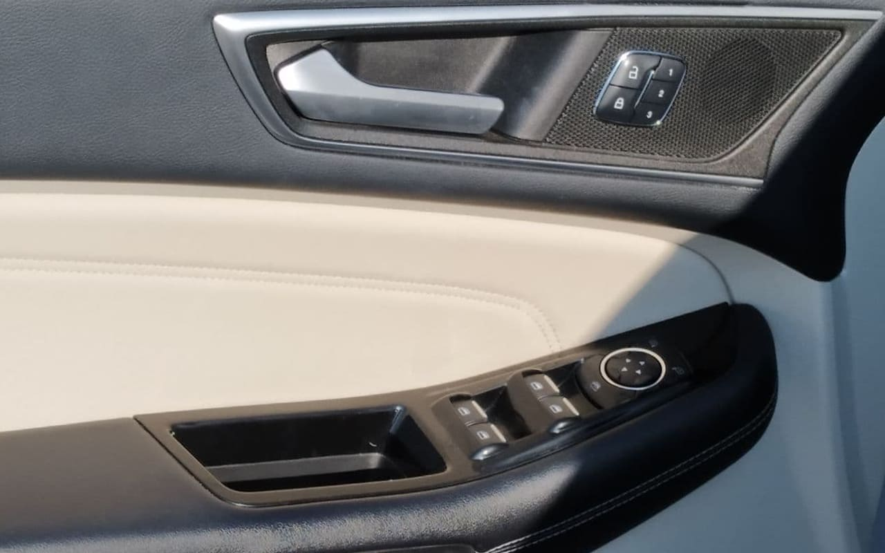 Ford Edge Titanium 2015 фото №18