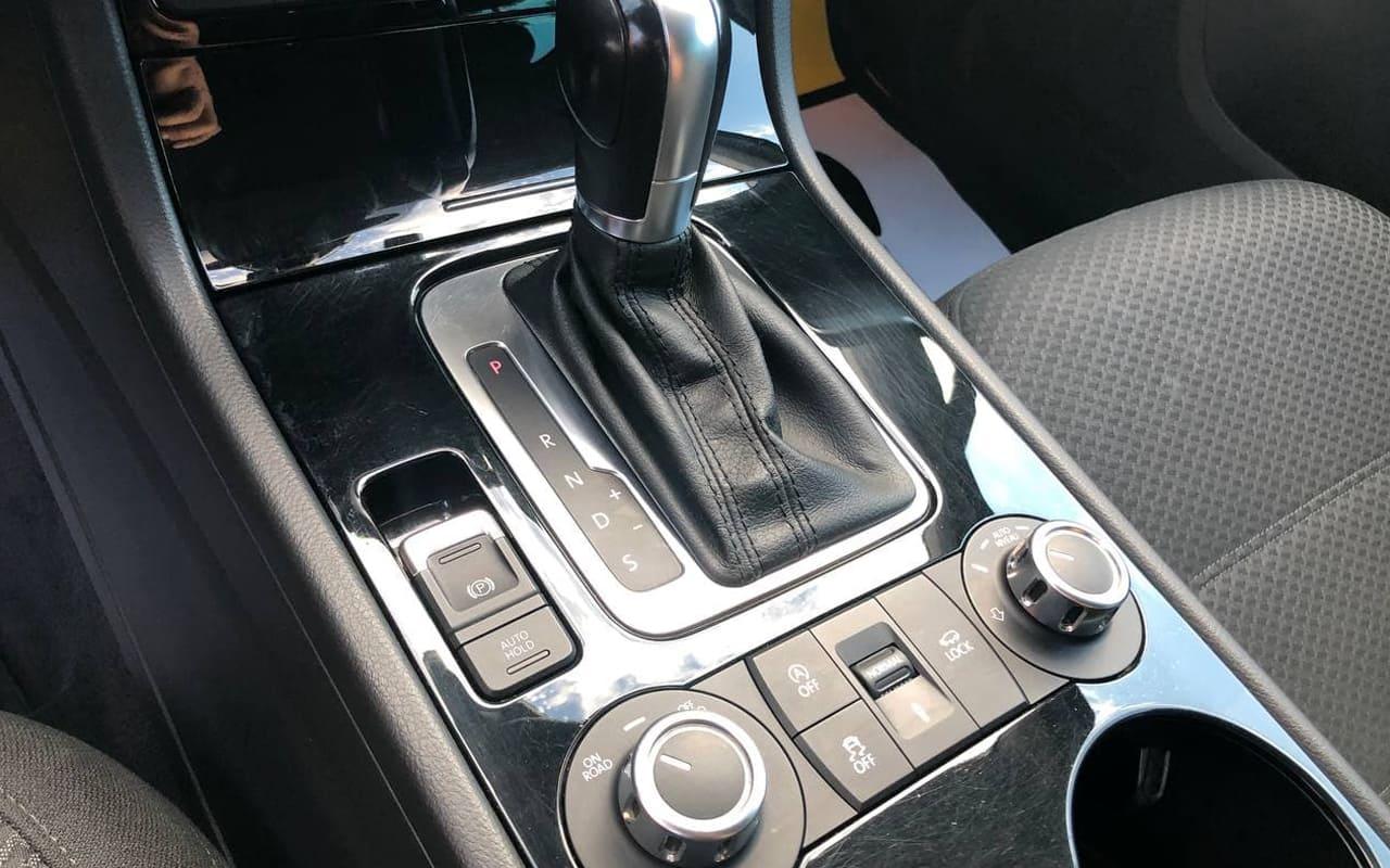 Volkswagen Touareg 2012 фото №16