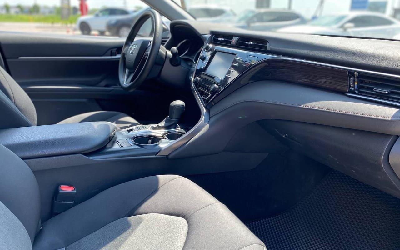 Toyota Camry Hybrid 2019 фото №17