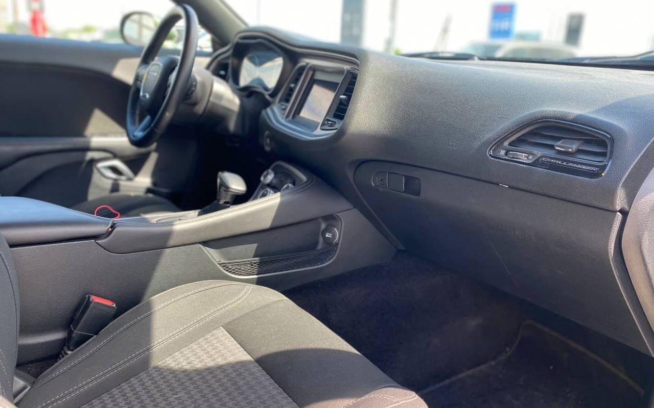 Dodge Challenger 2019 фото №18