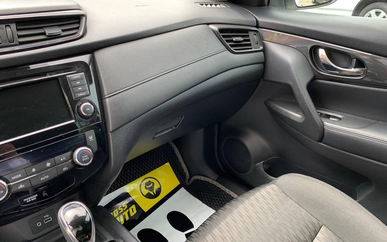 Nissan Rogue 2018 фото №16