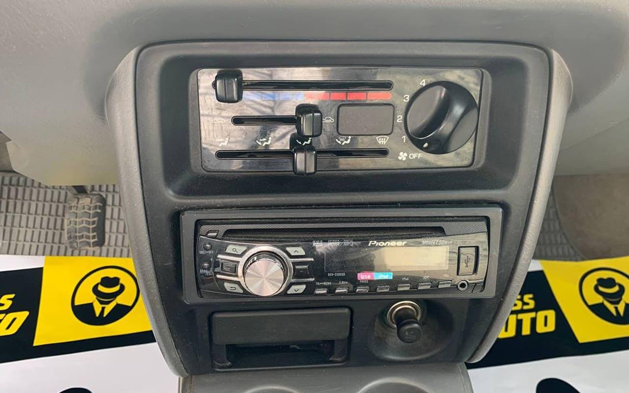 Mazda Demio 1998 фото №15