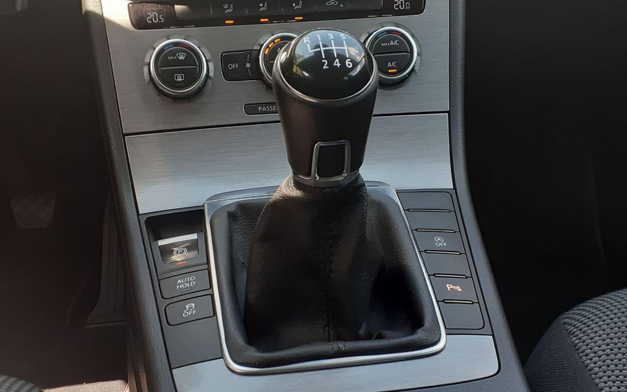 Volkswagen Passat 2012 фото №9