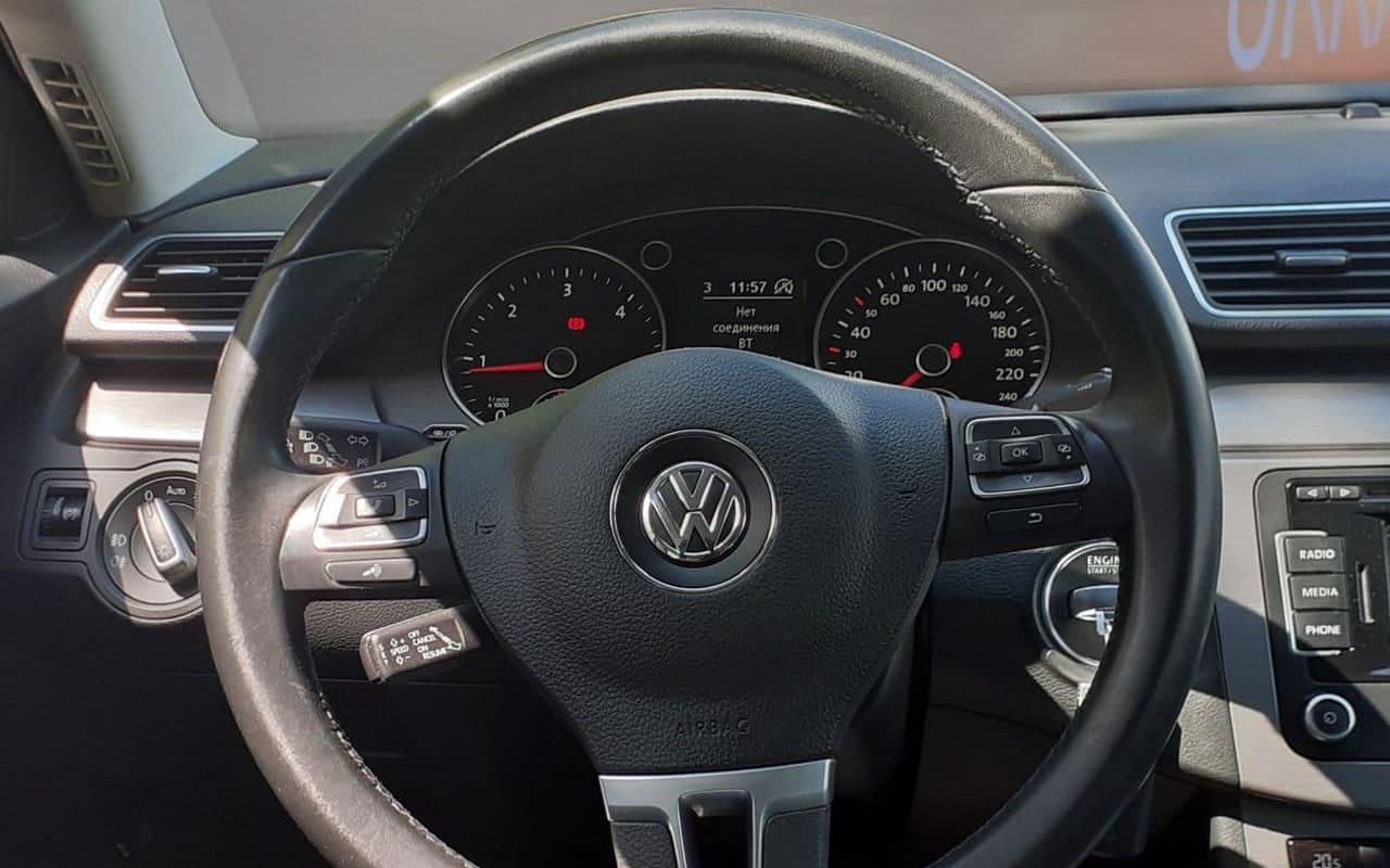 Volkswagen Passat 2012 фото №13