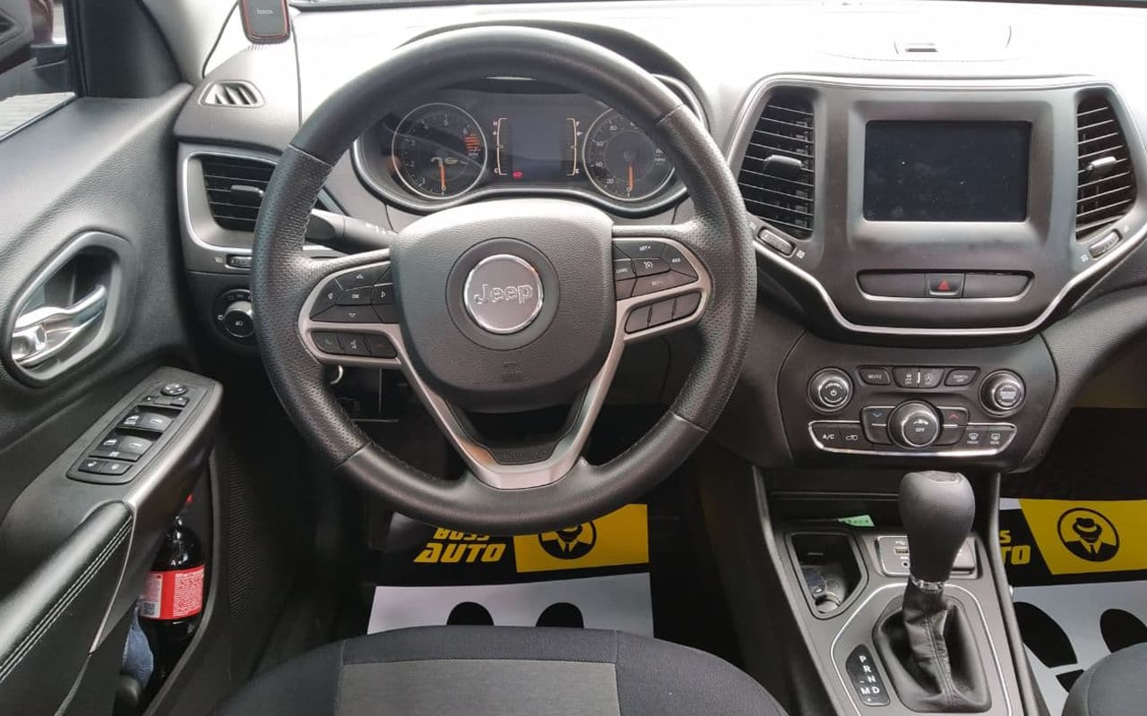 Jeep Cherokee 2019 фото №19
