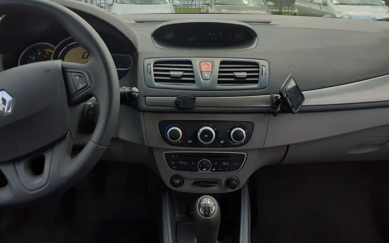 Renault Megane 2010 фото №13