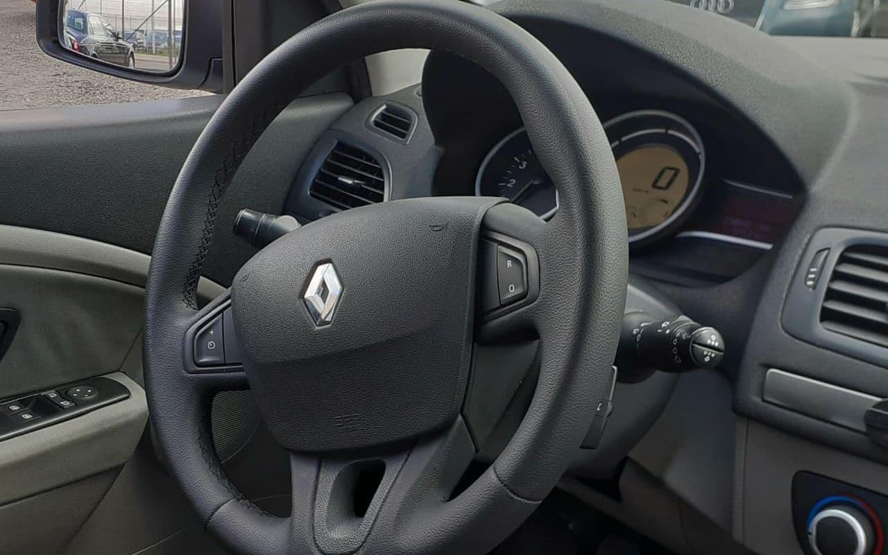 Renault Megane 2010 фото №15