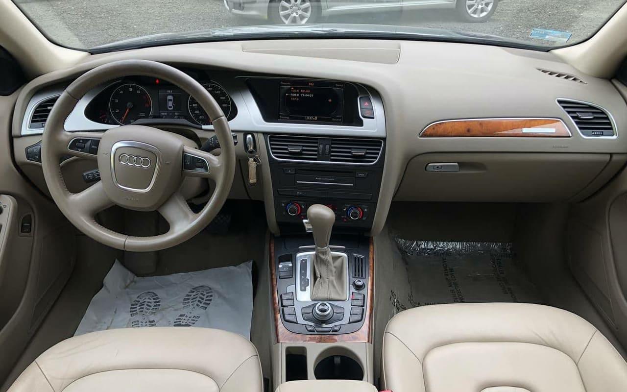 Audi A4 2011 фото №8