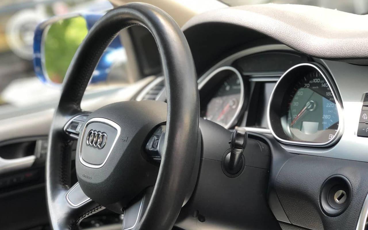 Audi Q7 2014 фото №17