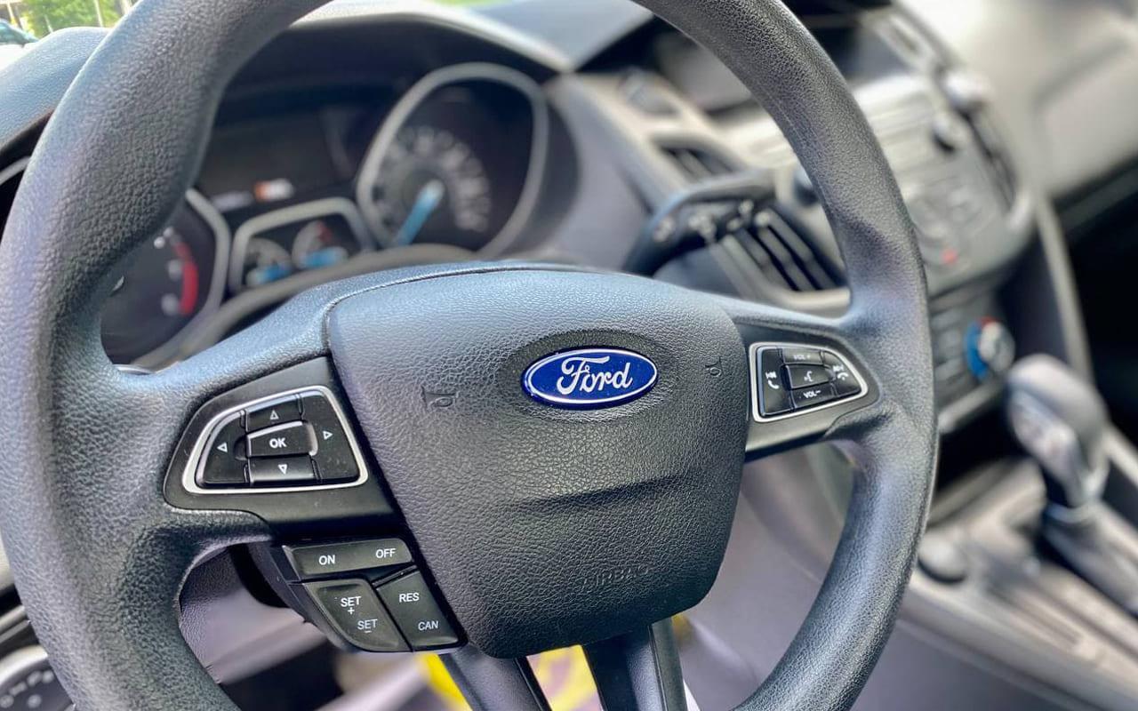 Ford Focus SE 2017 фото №13
