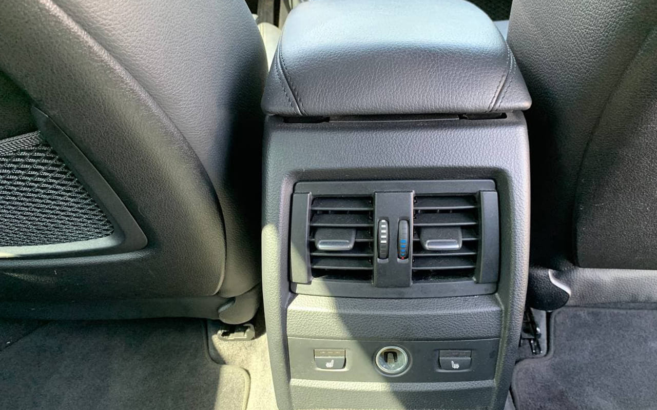 BMW 335 GT 2013 фото №20