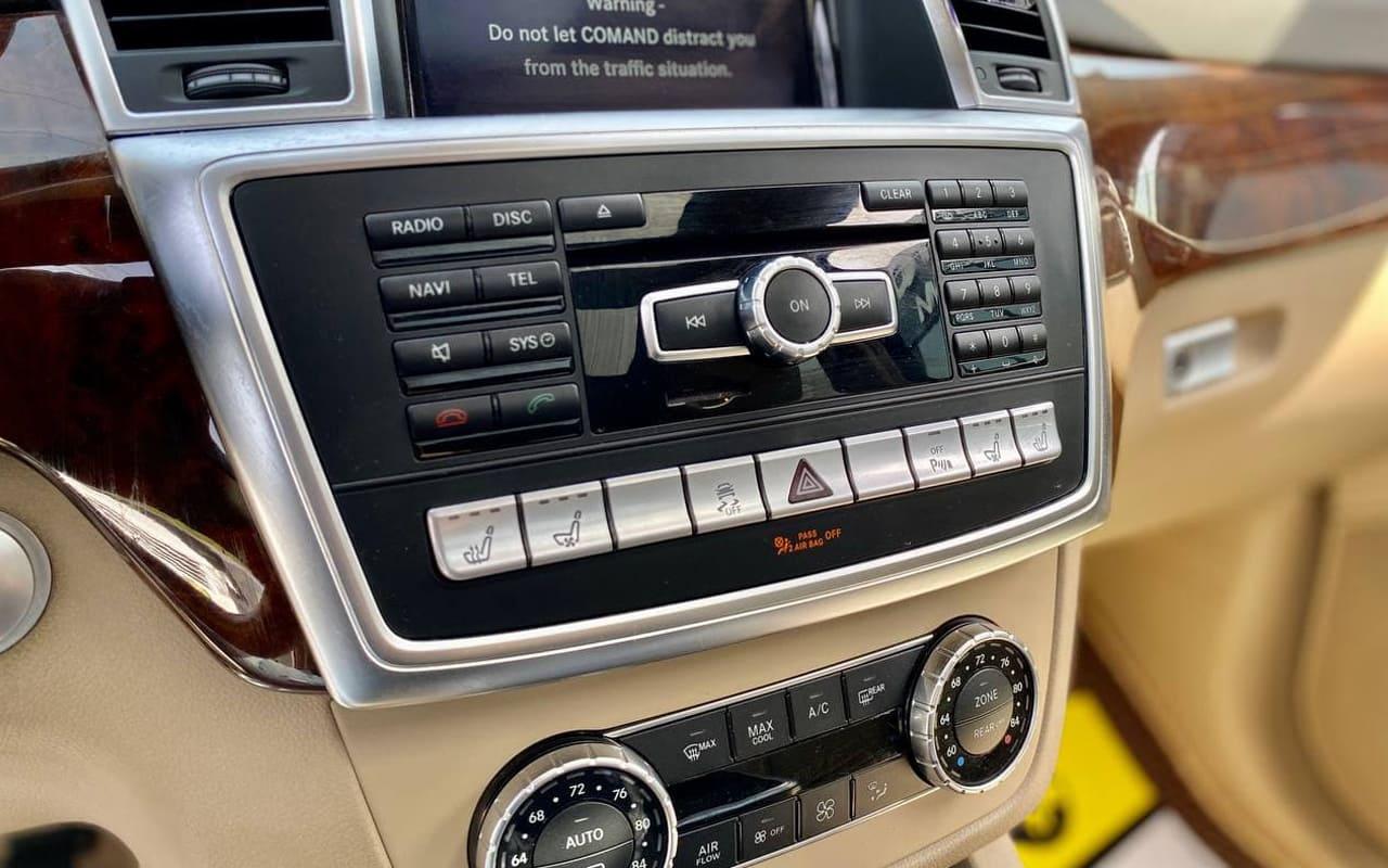 Mercedes-Benz GL 550 4Matic 2014 фото №16