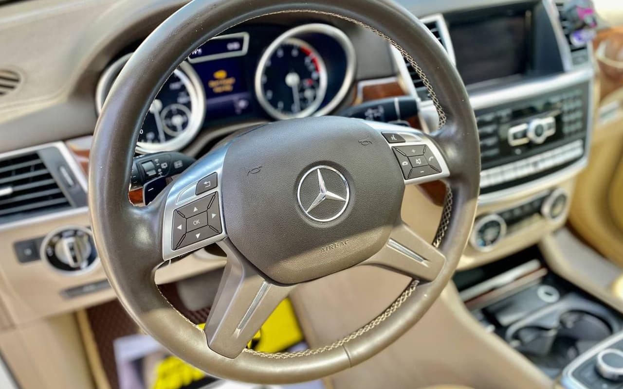 Mercedes-Benz GL 550 4Matic 2014 фото №18