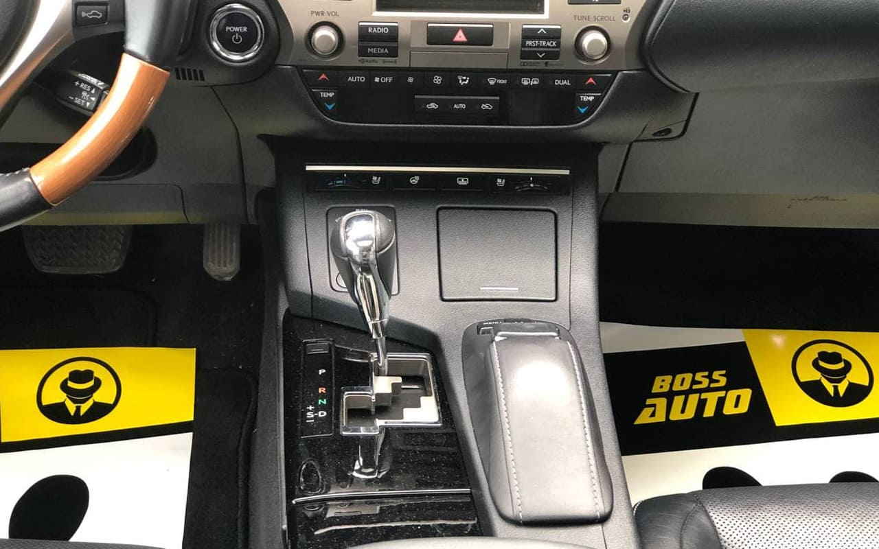 Lexus ES 300h 2015 фото №16
