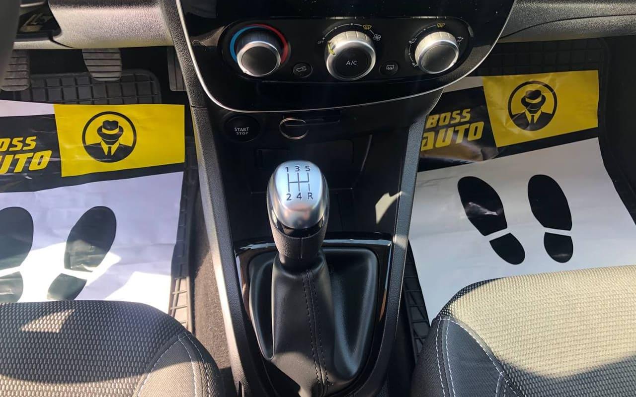 Renault Clio 2018 фото №13