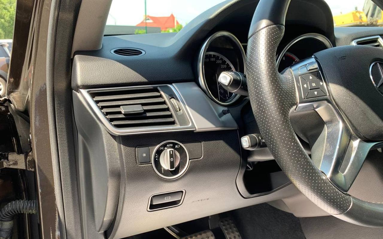 Mercedes-Benz ML 350 2012 фото №18