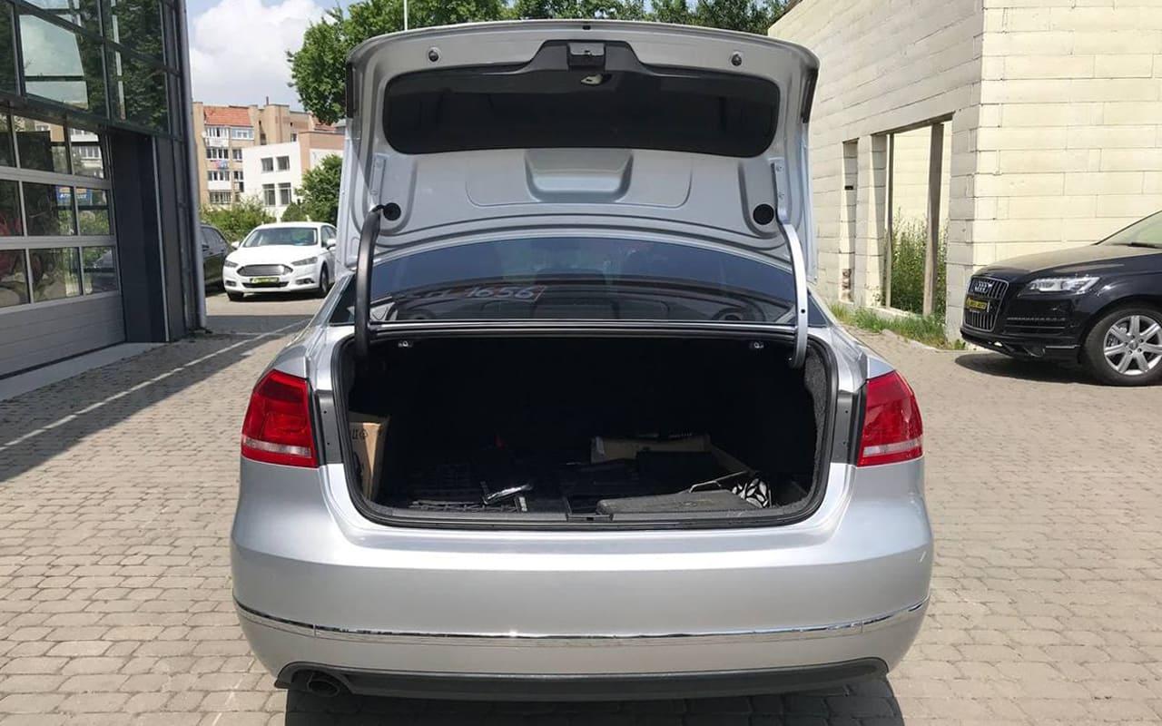 Volkswagen Passat 2011 фото №18
