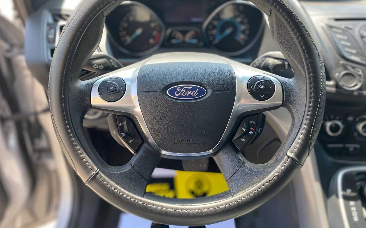 Ford Escape 2013 фото №15