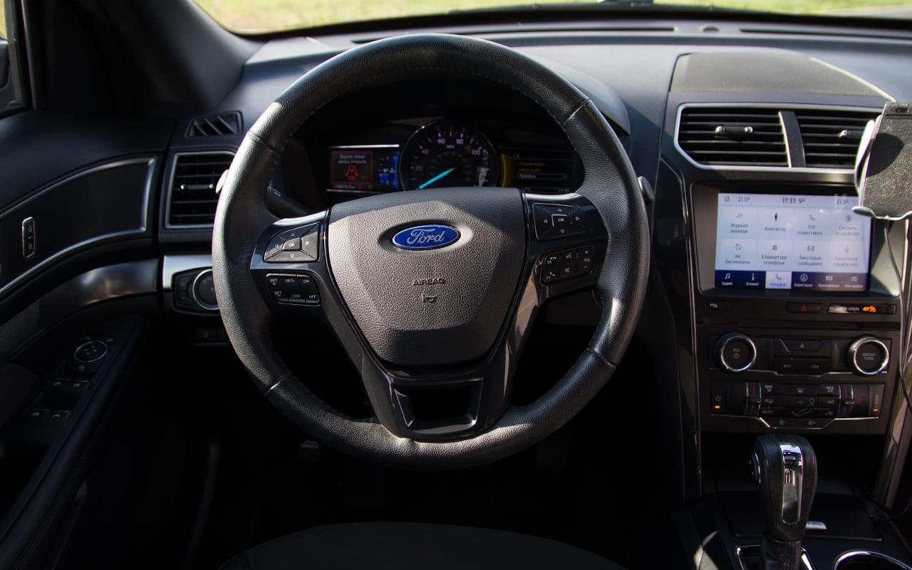 Ford Explorer XLT 2018 фото №14