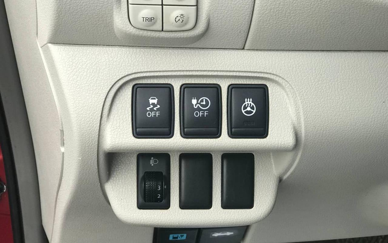Nissan Leaf 2012 фото №15