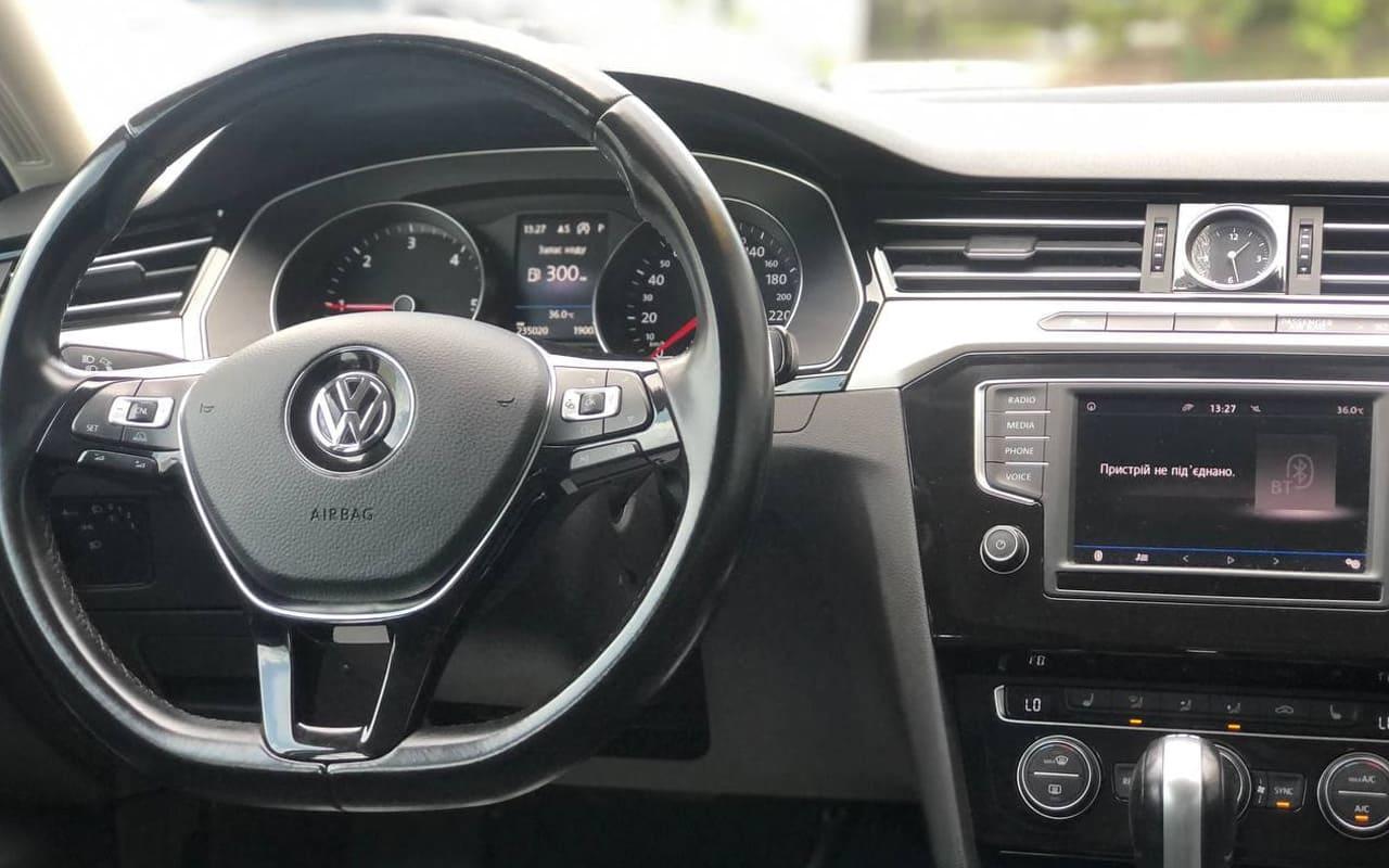 Volkswagen Passat 2016 фото №14