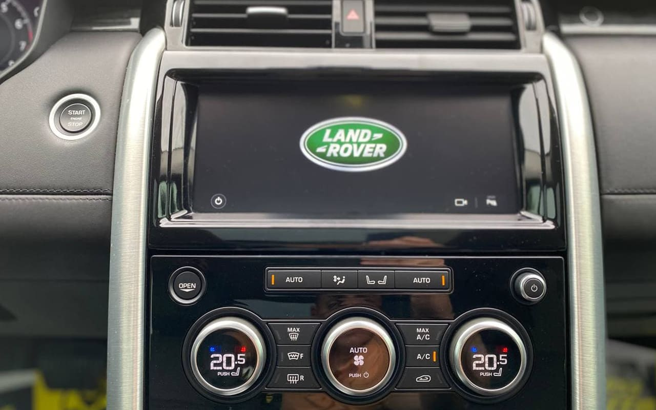 Land Rover Discovery 2018 фото №17