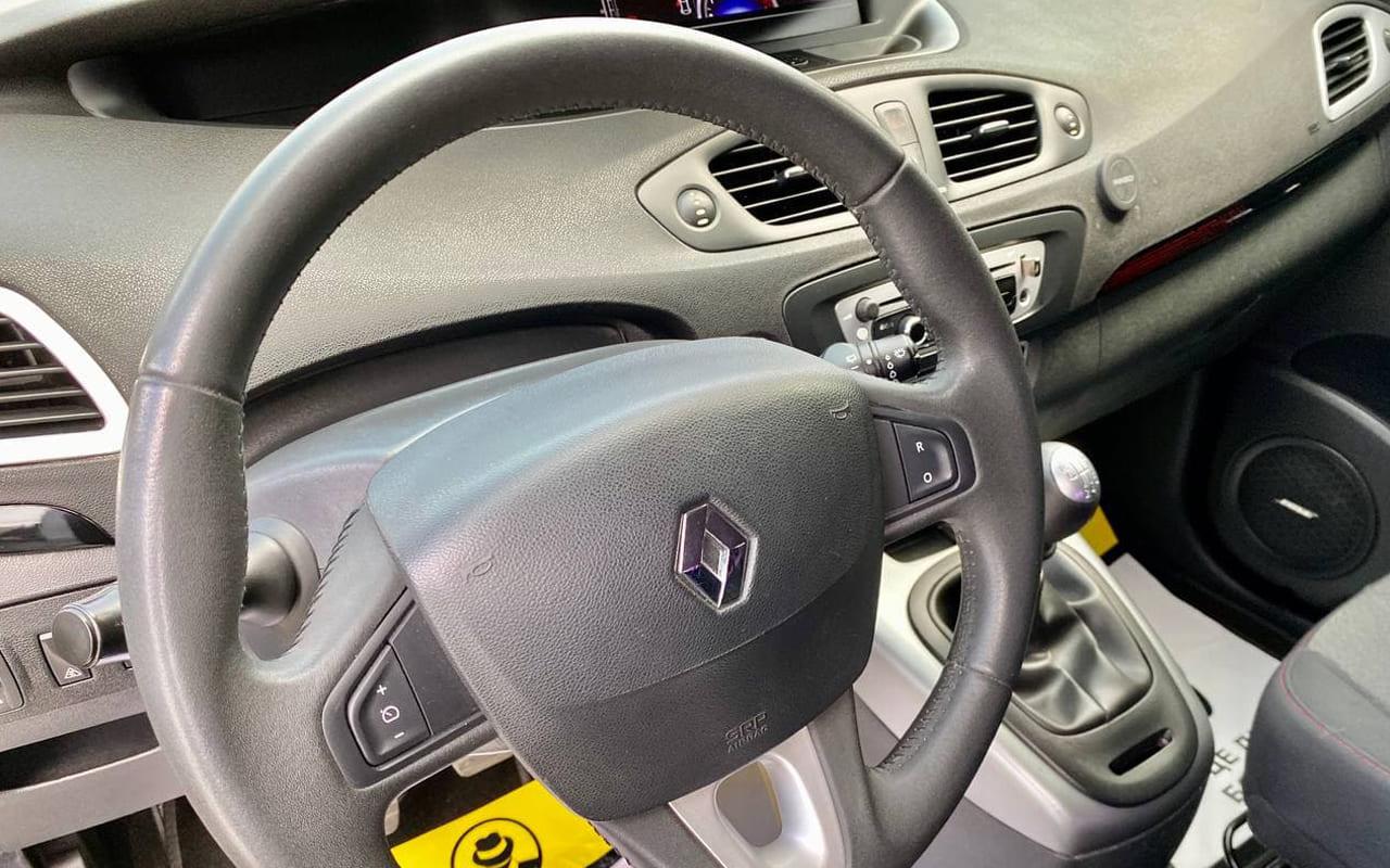 Renault Scenic 2012 фото №14