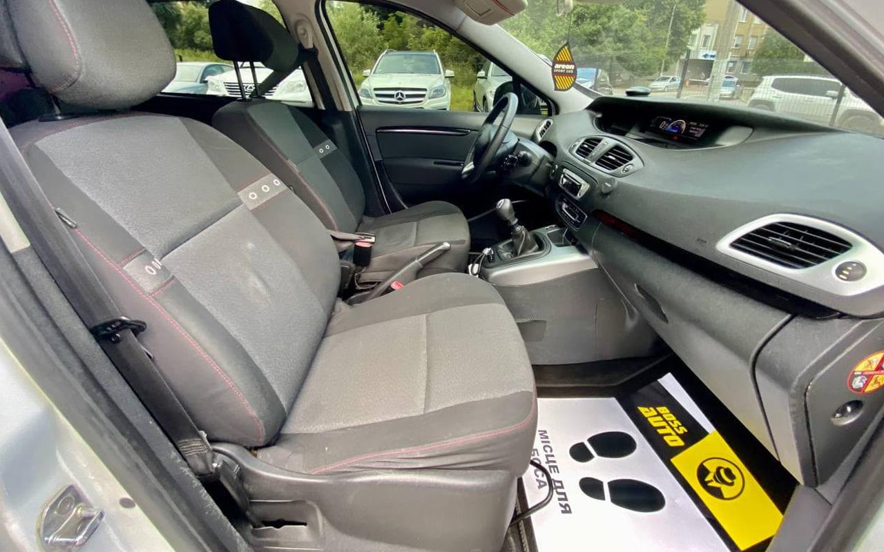 Renault Scenic 2012 фото №16