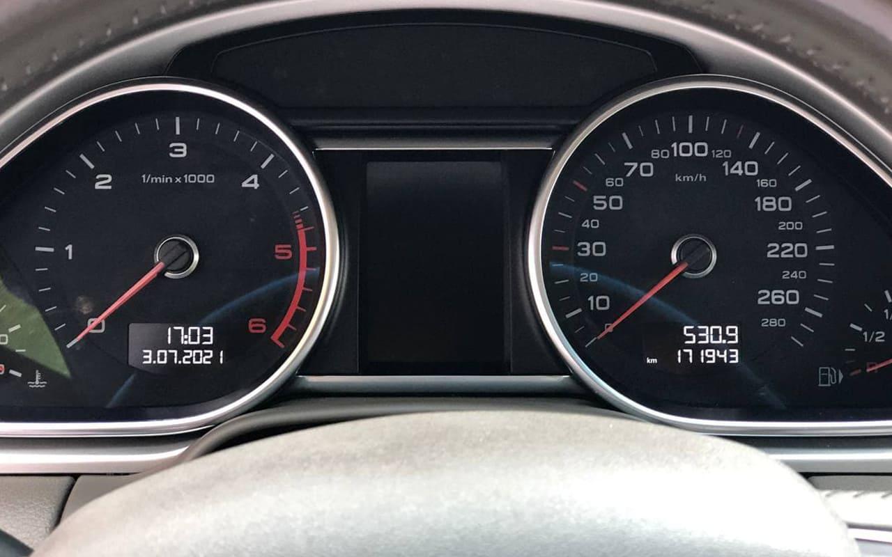 Audi Q7 2012 фото №16