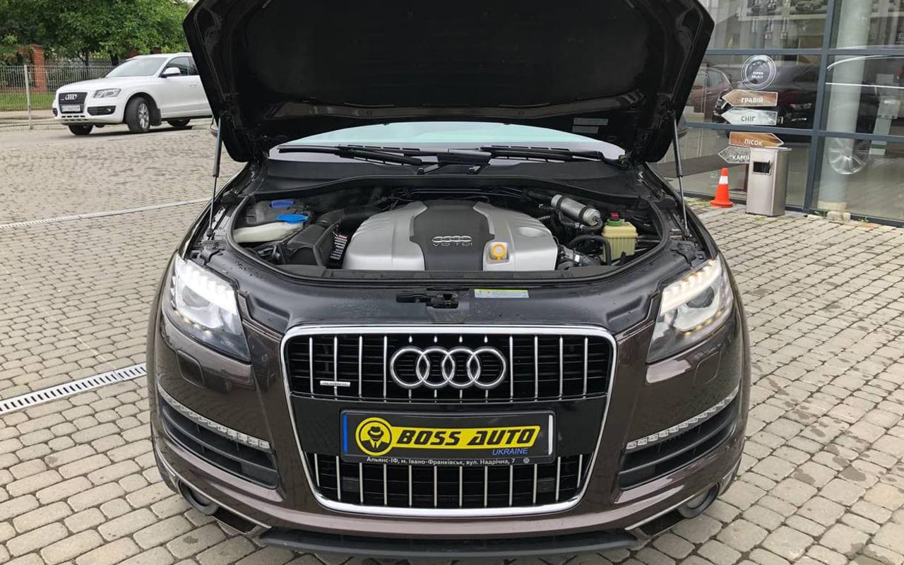 Audi Q7 2012 фото №20