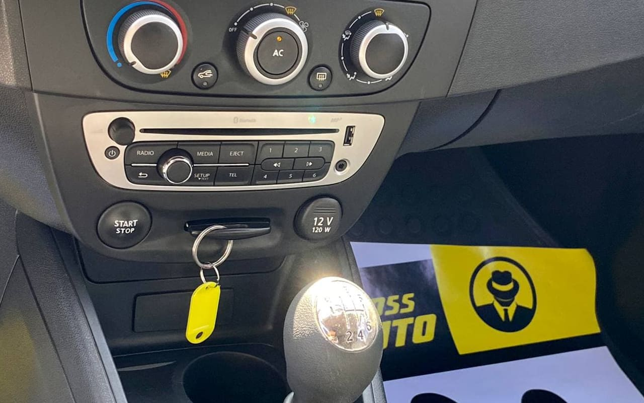 Renault Megane 2013 фото №14