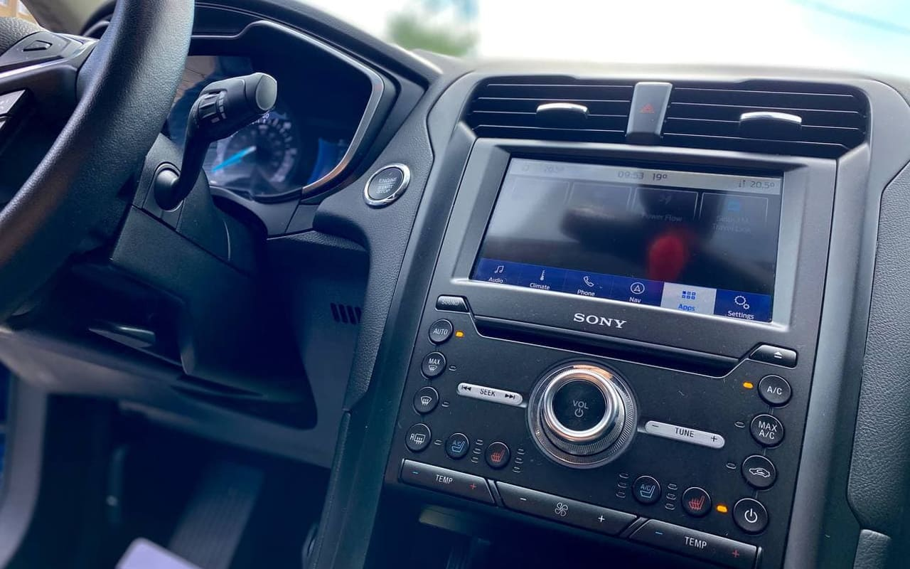 Ford Fusion hybrid titanium 2019 фото №16