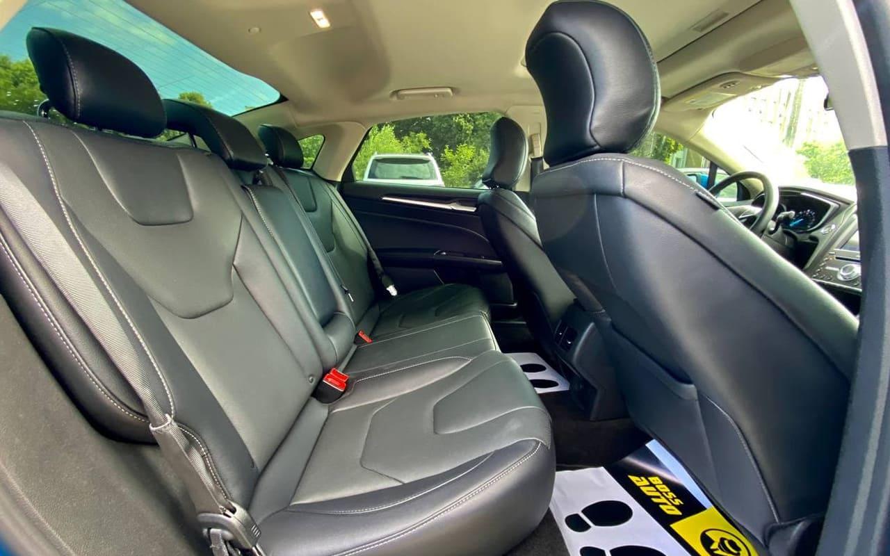 Ford Fusion hybrid titanium 2019 фото №18