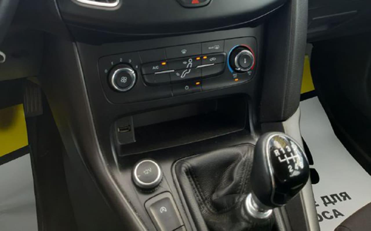 Ford Focus 2017 фото №8