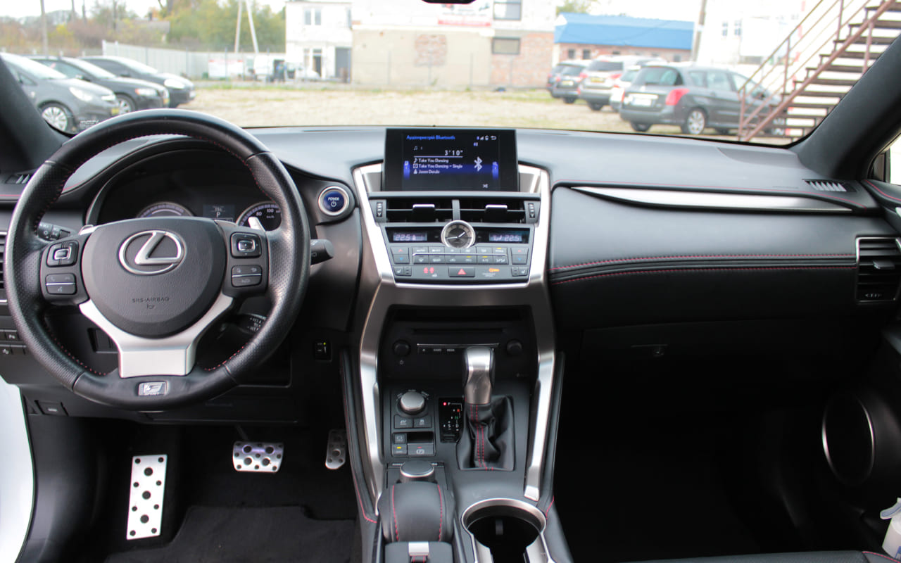 Lexus NX 300h 2016 фото №10