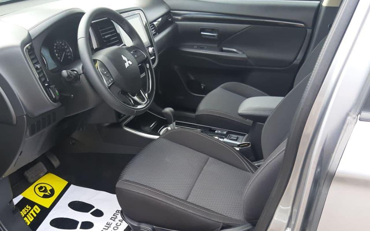 Mitsubishi Outlander 2020 фото №6