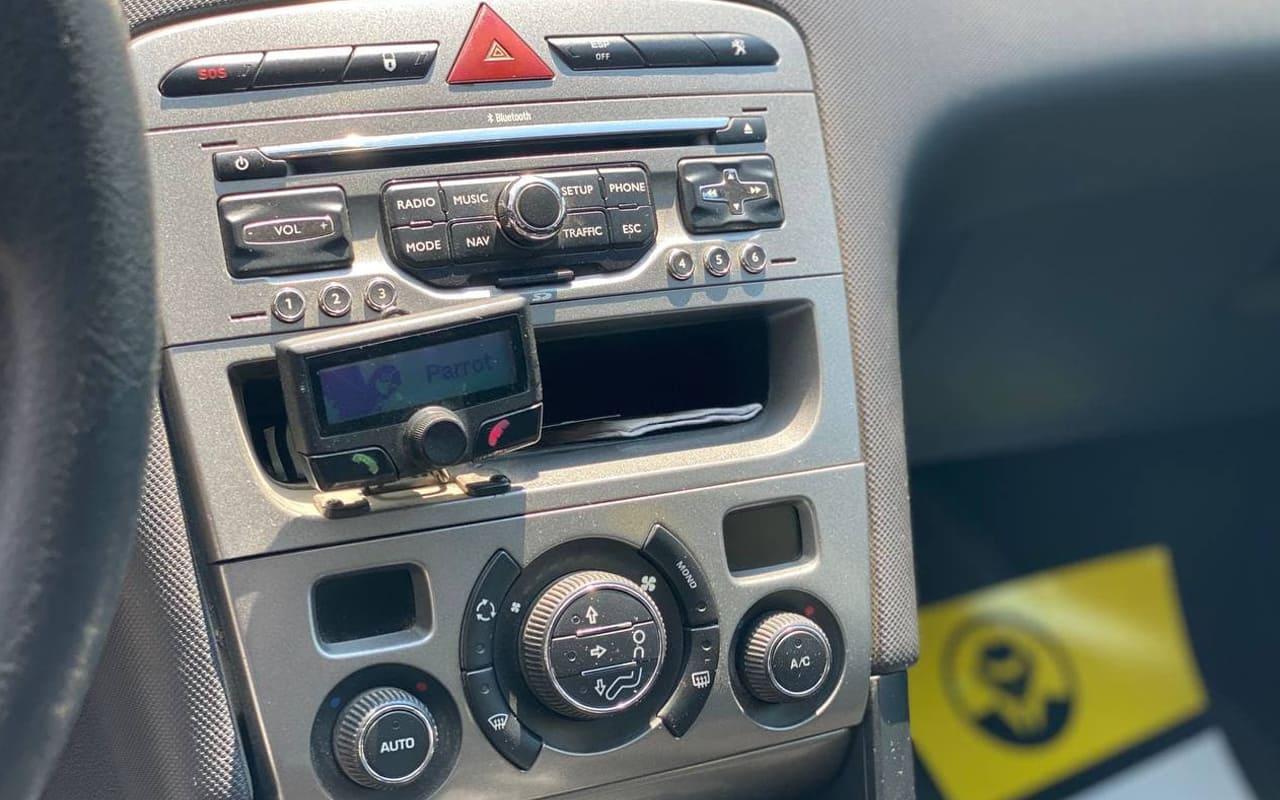 Peugeot 308 2011 фото №12
