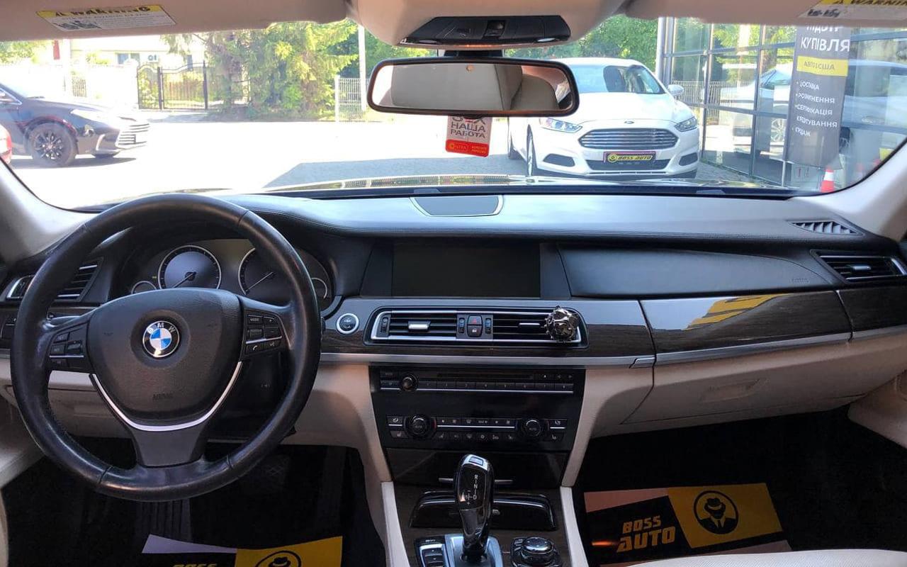 BMW 740 2011 фото №15