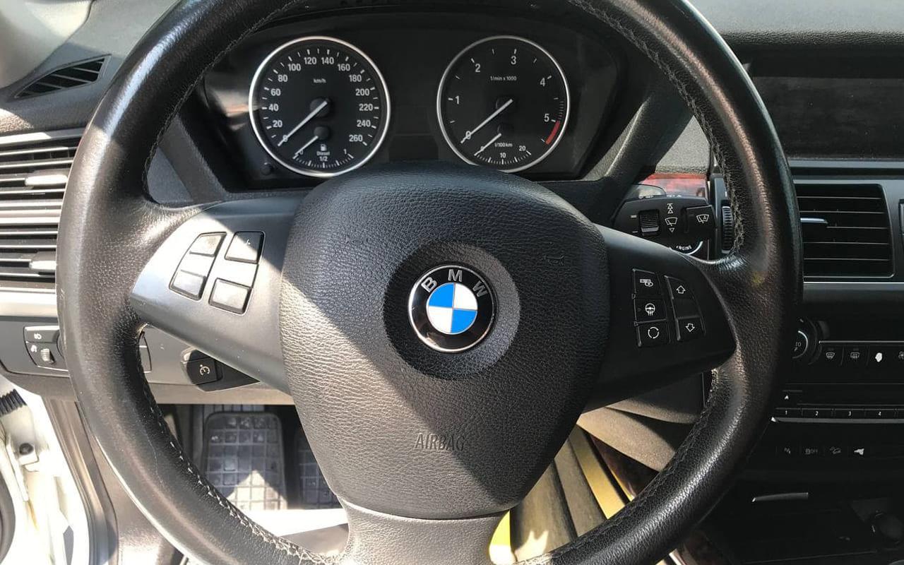 BMW X5 2012 фото №16