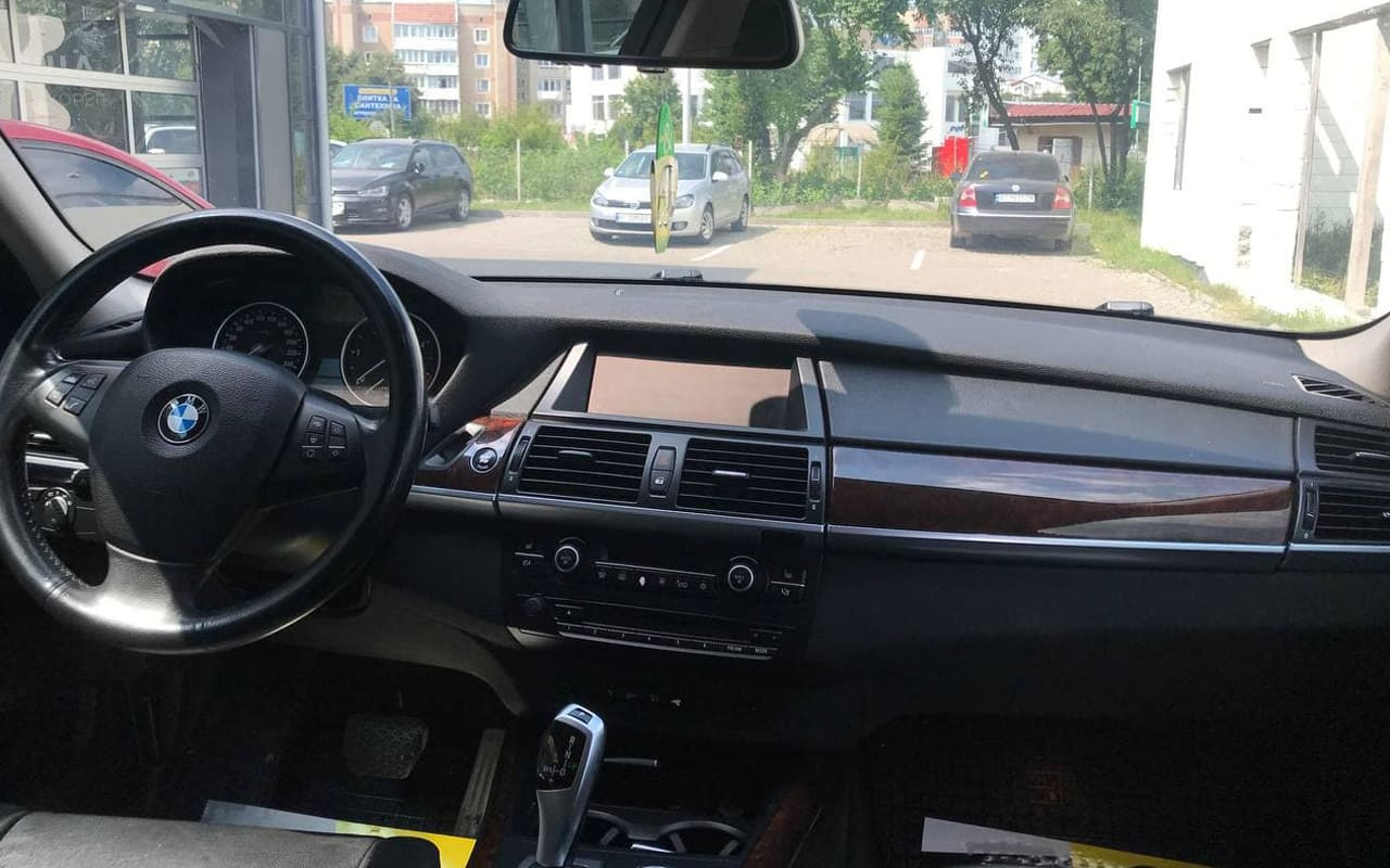 BMW X5 2012 фото №19